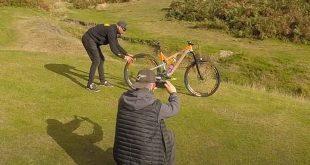 Cara Foto Sepeda Berdiri