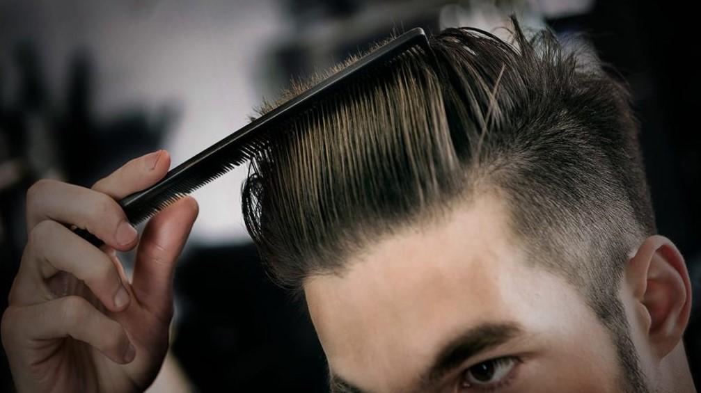 Menyisir arah rambut